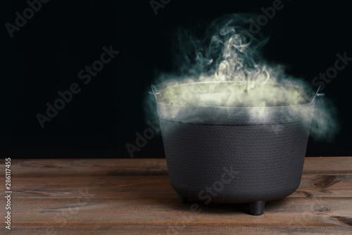 Fotografia halloween cauldron with smoke