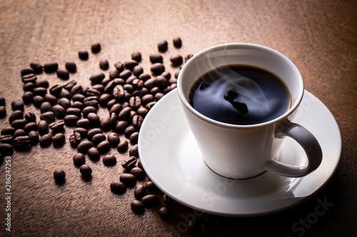 Fotografie, Obraz ホットコーヒーとコーヒー豆