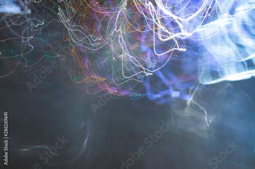 Fotografía  Vivid, tangled streaks of light