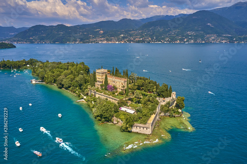 Unique view of the island of Garda Fotobehang