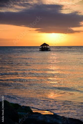 Foto op Plexiglas Water Motor sporten sunset at sea