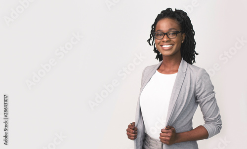 obraz PCV African American Business Girl Smiling At Camera, Studio Shot