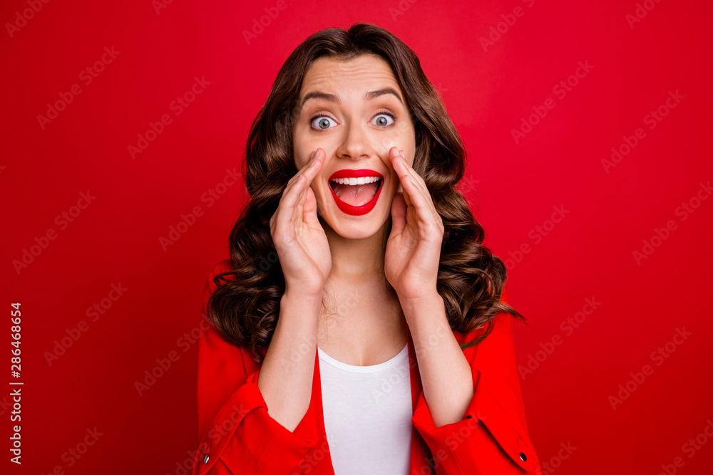 Fototapety, obrazy: Beautiful lady sharing rumours with crowd dressed formal wear red jacket isolated burgundy background