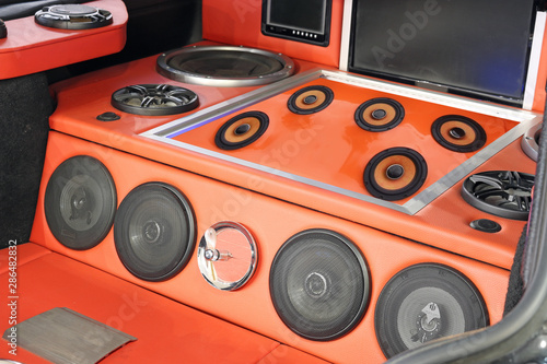 Fotografía custom car powerful stereo audio system