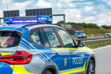 Autobahnpolizei Einsatzfahrzeu...