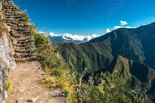 Photo  Trail to Montana Machu Picchu UNESCO World Heritage Site in Peru