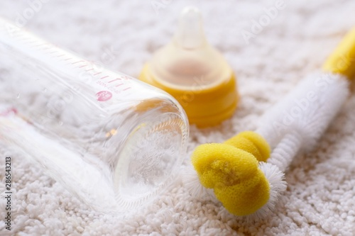 Valokuva  哺乳瓶の洗浄