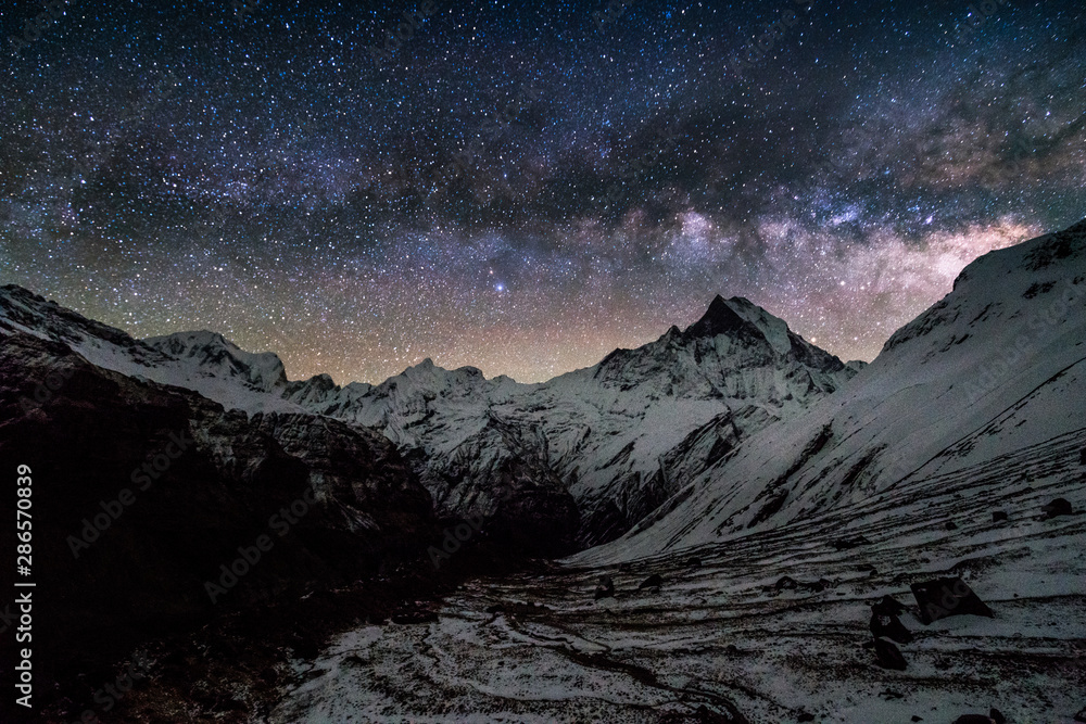 Fototapety, obrazy: milky way over machapuchare peak in himalayas annapurna base camp trekking route