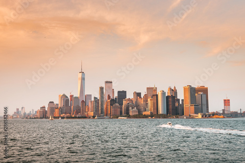 New York City New Jersey, NYC/ USA - 08 21 2017: Amazing sunset on New York City Tablou Canvas