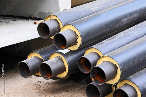 Rusty steel pipe with heat insulation Canvas-taulu