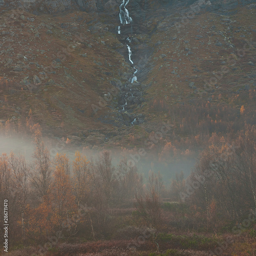 Photo sur Aluminium Fantastique Paysage Morgengrau in Island in den Bergen