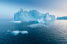 Photogenic And Intricate Icebe...
