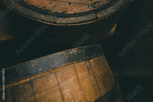 Canvas-taulu Old barrel background, cask close up