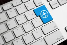 PCのキーボード、飛行
