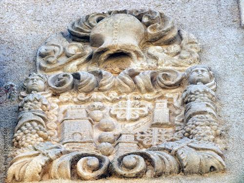 Fototapeta Escudos nobiliarios en Chinchilla de Montearagón