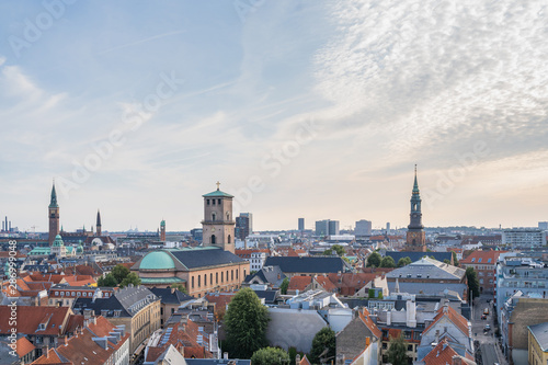 Photo  Aerial view of the city of Copenhagen at sunset