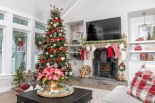 Christmas Decorations In A Modern Farmhouse