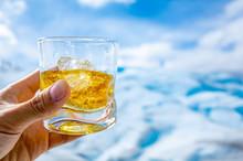 パタゴニアの氷河ウィスキー