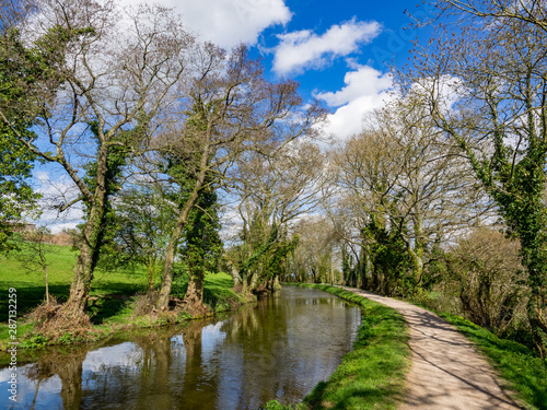 Fotomural Monmouthshire & Brecon Canal , Brecon beacons national park in Wales, image of c