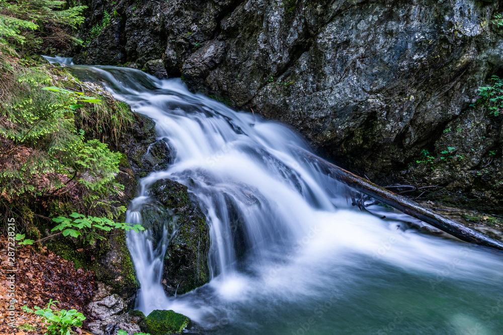 Fototapeta Josefsthaler Wasserfälle am Schliersee - oberer Bereich in Langzeitbelichtung