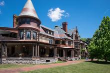 Mansion At Sonnenberg Gardens