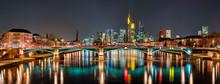 Die Skyline Von Frankfurt Am M...