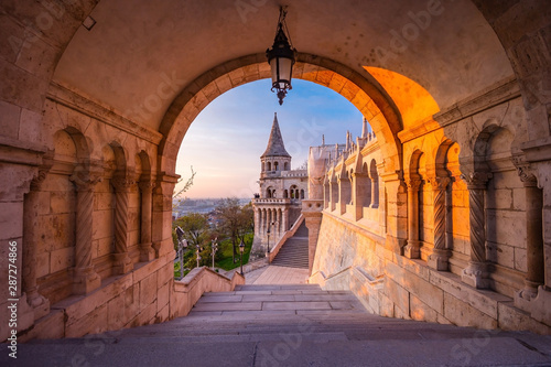 Fotografia, Obraz The north gate of the Fisherman's Bastion in Budapest - Hungary at morning