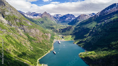 Photo  Aerial view of Sunnylvsfjorden fjord canyon, Geiranger village location, western Norway
