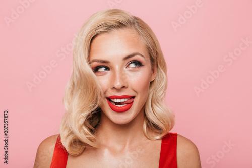 Fotografía  Beautiful sexual young blonde woman