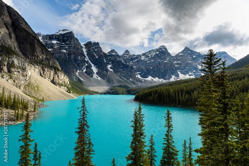Foto op Canvas Canada Lake Moraine in Banff National Park of Canada Alberta