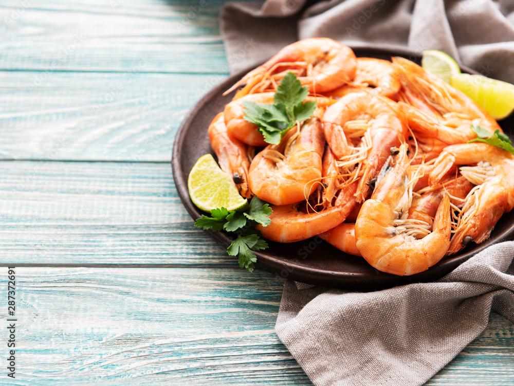 Fototapety, obrazy: Shrimps served on a plate