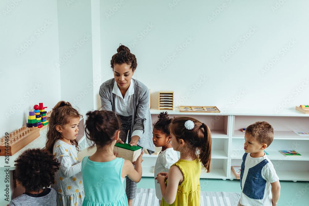 Fototapety, obrazy: Fun time at kindergartner