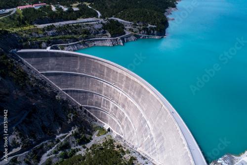 Billede på lærred Hydroelectric power plant in the alps - Dam