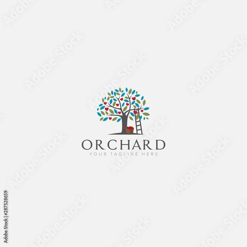 Carta da parati apple tree logo designs with stairs orchard