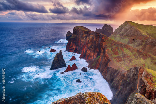 Foto auf Leinwand Dunkelbraun Landscape of Madeira island - Ponta de sao Lourenco