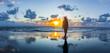 canvas print picture - Silhouette einr Frau auf Rømø bei Sonnenuntergang