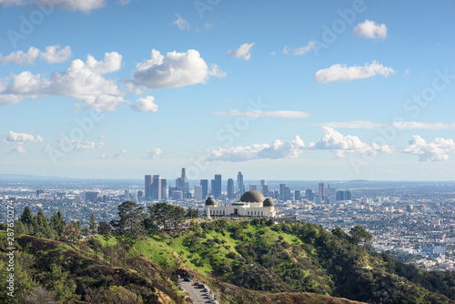 Canvas-taulu Griffith Observatory and Los Angeles at sunny day