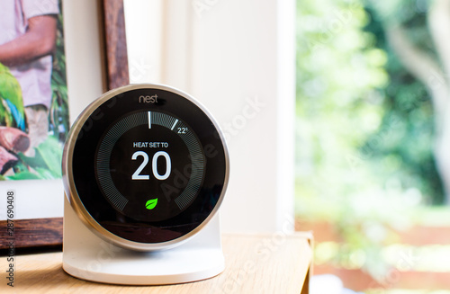 """Photo """"Nest"""" learning thermostat"""