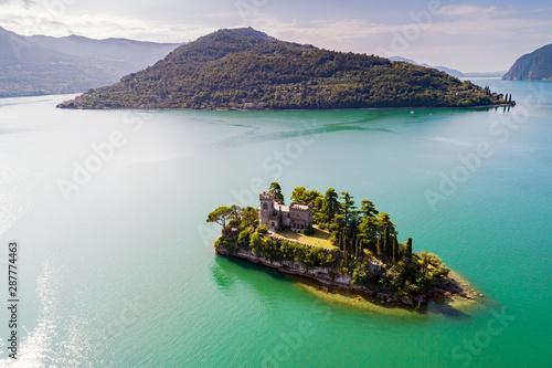 Lago D'Iseo (IT) - Isola di Loreto - vista aerea Wallpaper Mural