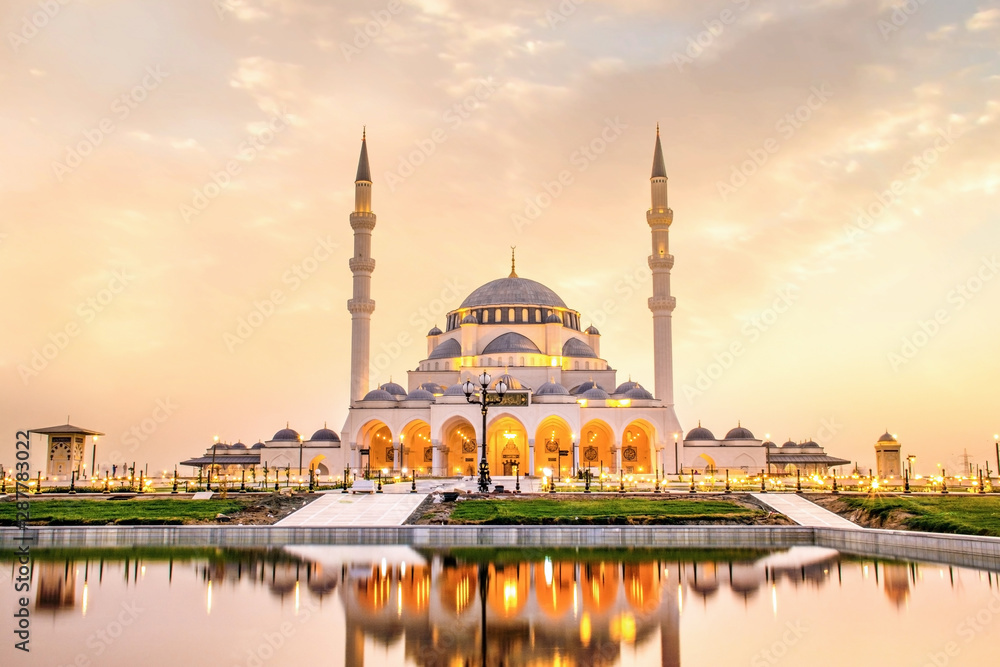 Fototapety, obrazy: Sharjah Mosque beautiful sunset view second biggest mosque in United Arab Emirates beautiful traditional Islamic architecture new tourist attraction in Middle east