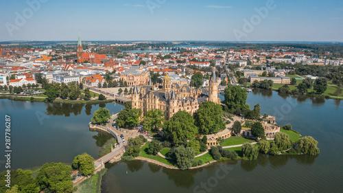 Pinturas sobre lienzo  Aerial view of Schwerin Castle