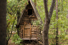 Fairytale House Of Baba Yaga I...