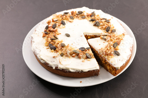 slice of pumpkin cake with spices Canvas-taulu