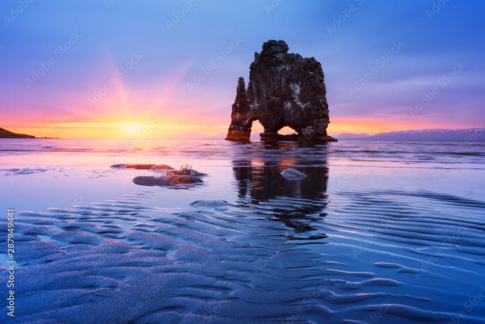 Fototapeta Hvitserkur Sea Stack, Iceland
