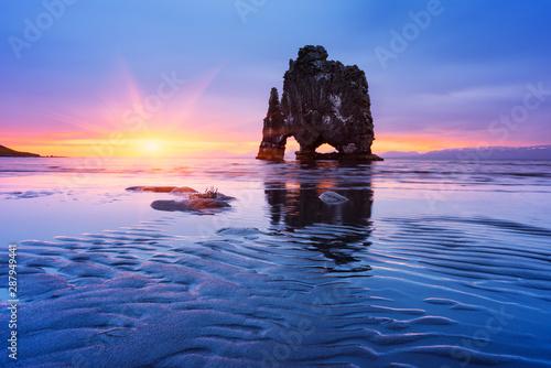 obraz dibond Hvitserkur Sea Stack, Iceland
