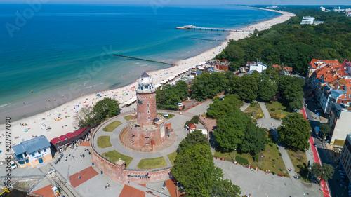 Obraz Kołobrzeg – piękne miasto i uzdrowisko nad Morzem Bałtyckim z lotu ptaka - fototapety do salonu