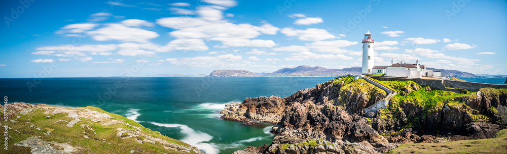 Fototapety, obrazy: Lighthouse in Ireland