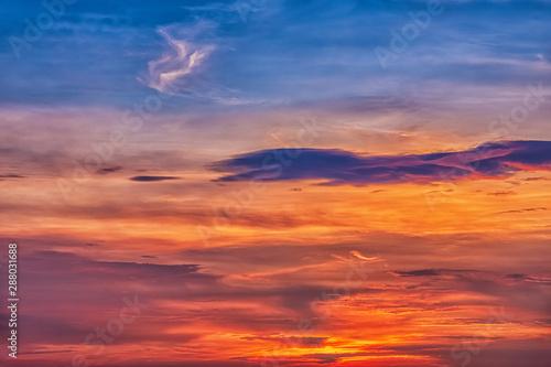 Papiers peints Grenat Beautiful evening sky with clouds, sunset.