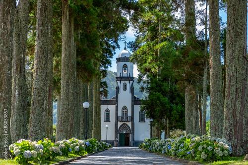 Fototapeta Sete Cidade (Seven Cities) São Nicolau Church - Village Church in Sete Cidades, São Miguel, Azores, Portugal obraz