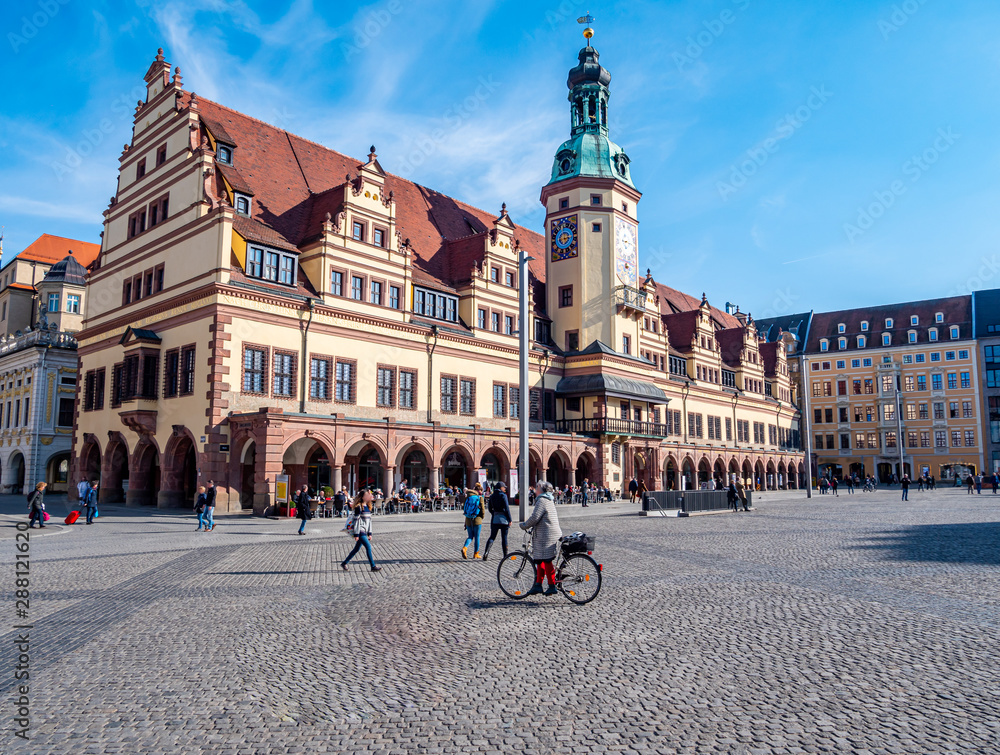 Fototapety, obrazy: Leipziger Rathaus mit Marktplatz im Zentrum